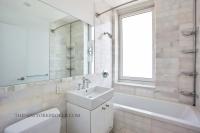635 West 42nd Street Condo Bathroom