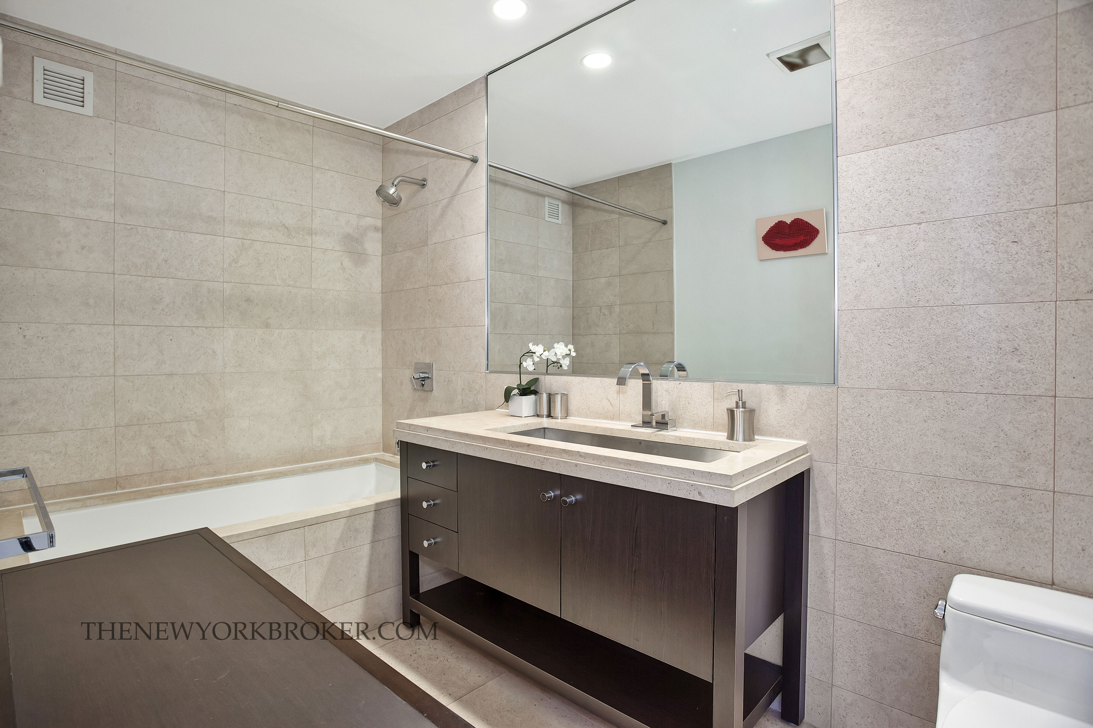 New years eve times square bathroom - 1600 Broadway Penthouse